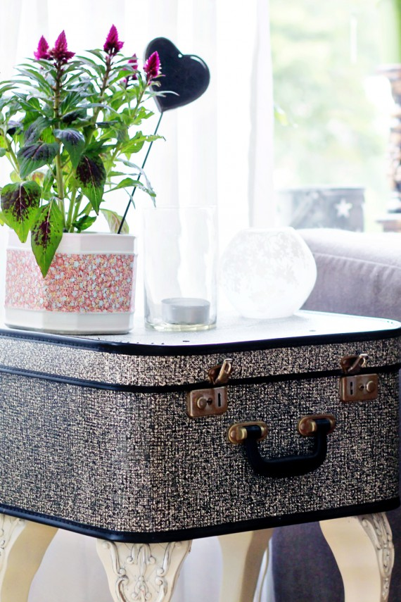 DIY | Suitcase Side Table