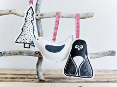 DIY   Painted Fabric Ornaments