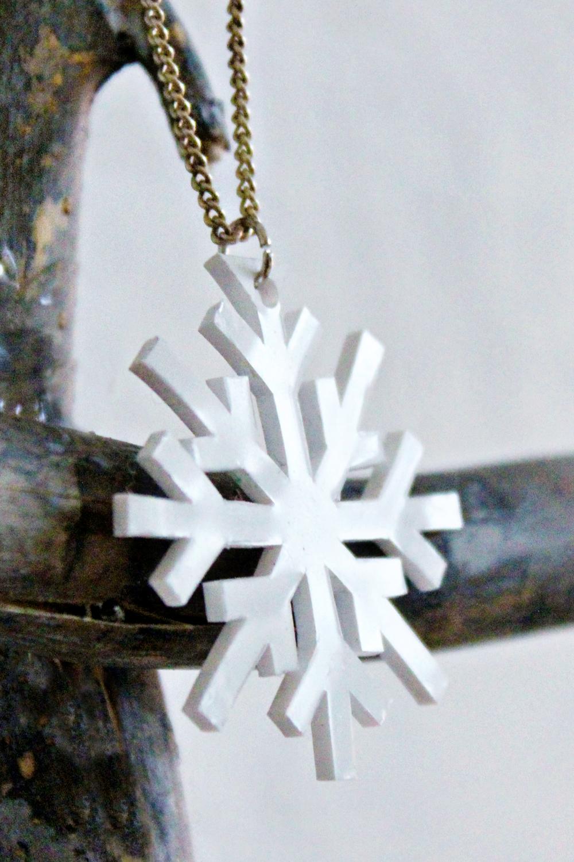 DIY | Shrink Plastic Snowflake Necklace original