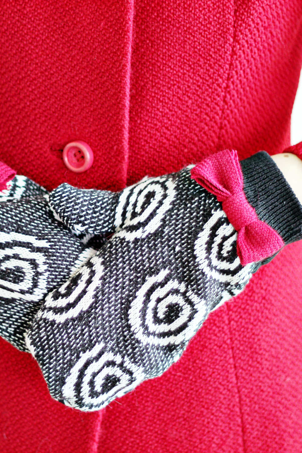 UPCYCLING DIY   Sweater into Gloves
