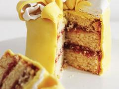 RECIPE | Tiny Tin Cakes