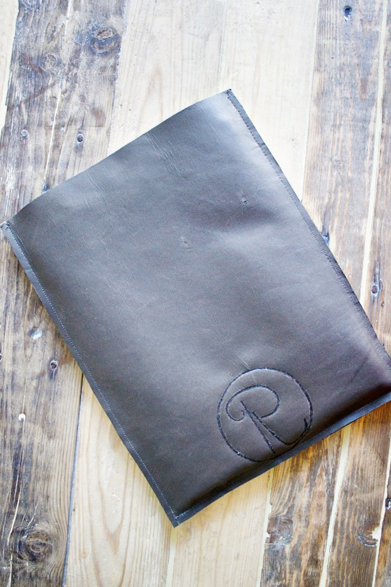 DIY | Monogrammed Tablet Sleeve