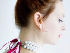 HOLIDAY DIY | Pearl Necklace