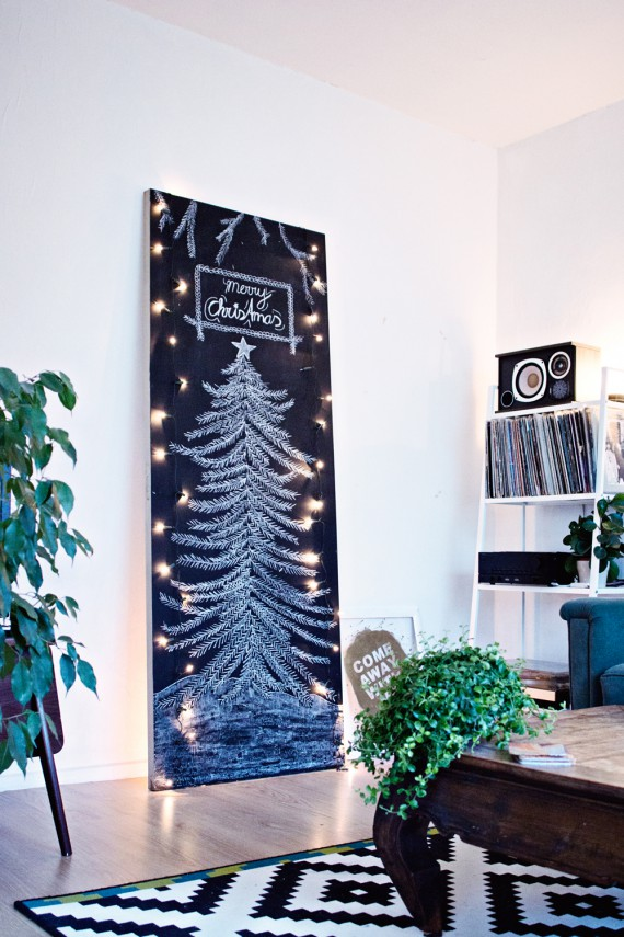 CHRISTMAS DIY | Minimal Chalkboard Tree