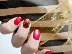 NAIL DIY | It's a Glittery Sharpie Christmas