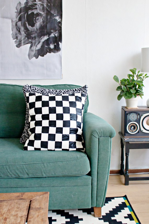DIY | Cushion Cover Weaving