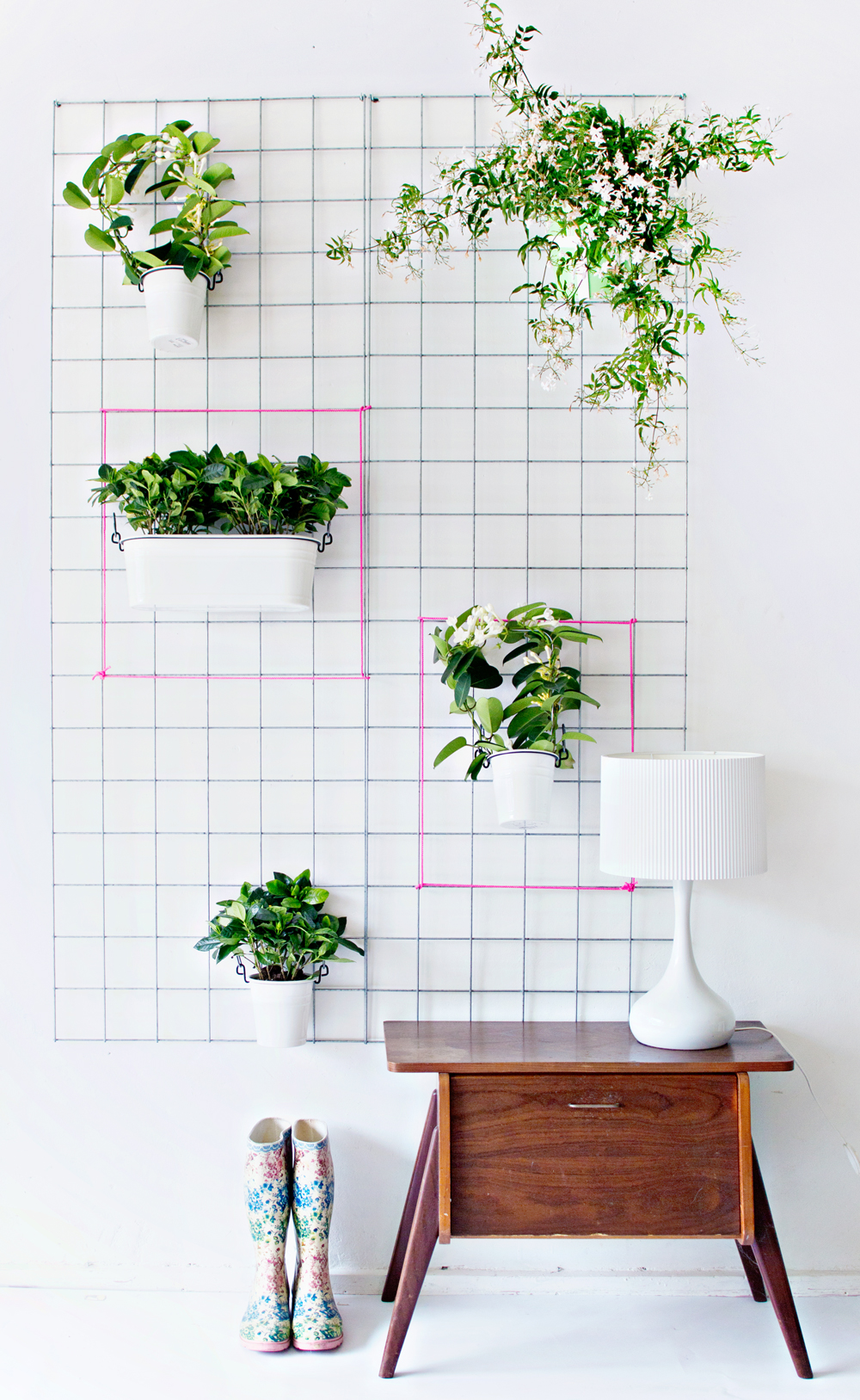 Green diy wall planter for Plant decorations home