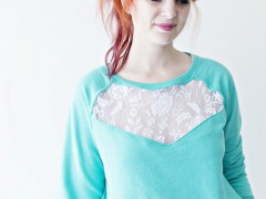 FEATURE   Lace Panel Sweatshirt