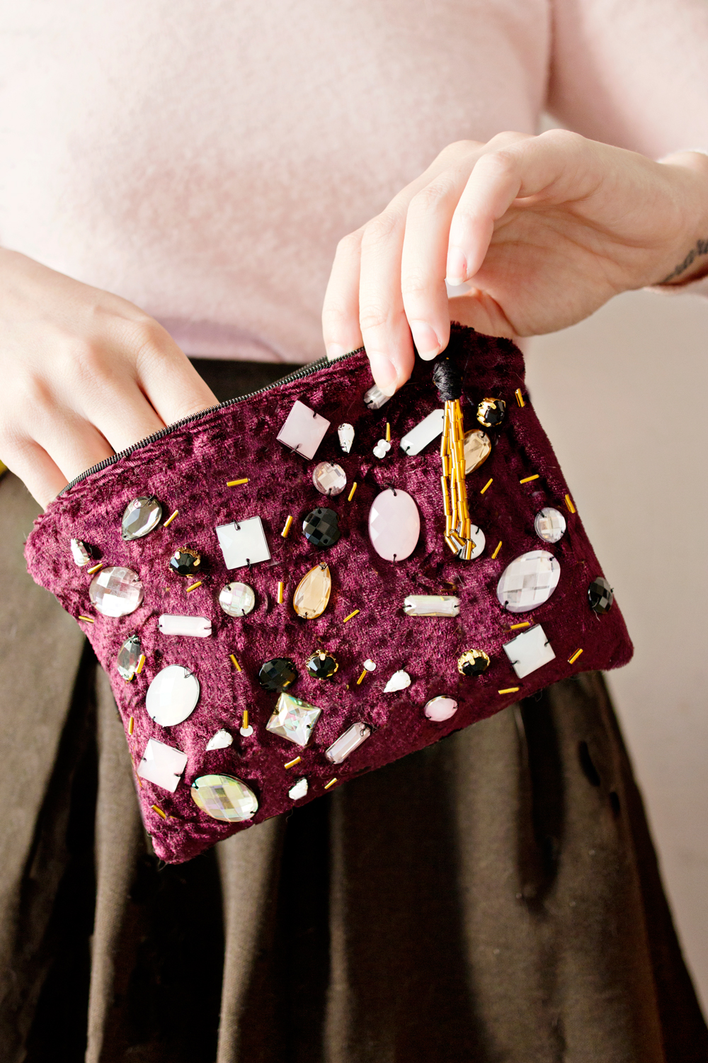 FEATURE | Velvet Clutch