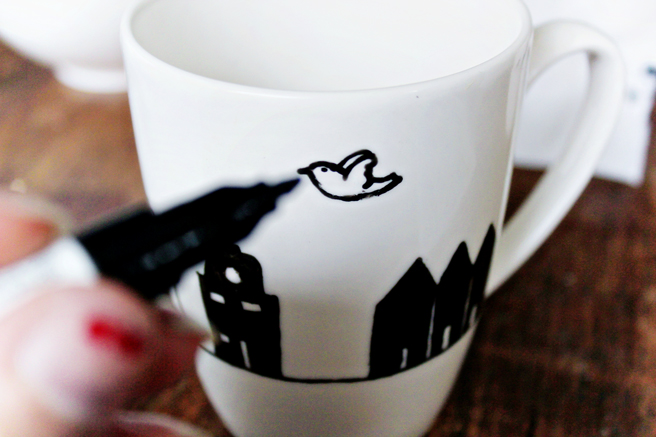 DIY | Painted Mugs