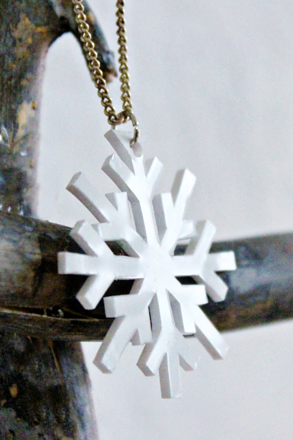 DIY | Shrink Plastic Snowflake Necklace original