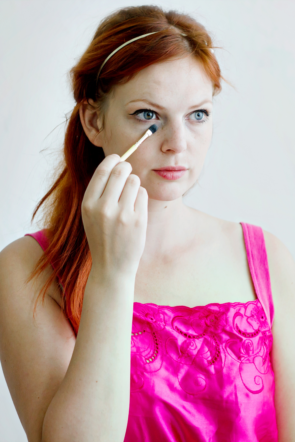 BEAUTY DIY | 5 Alternative Ways To Use Eyeshadow