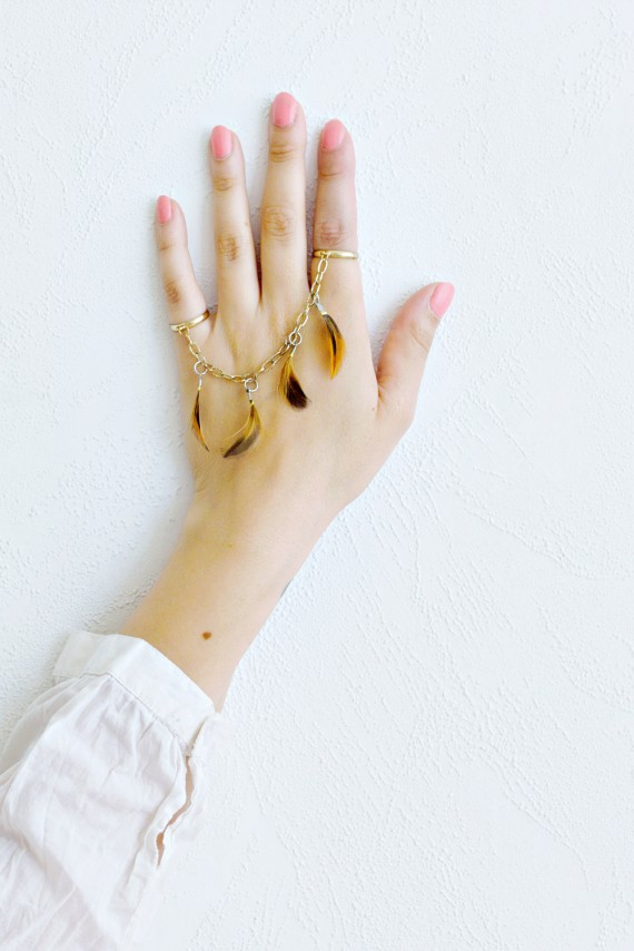 DIY | Delicate Feather Rings