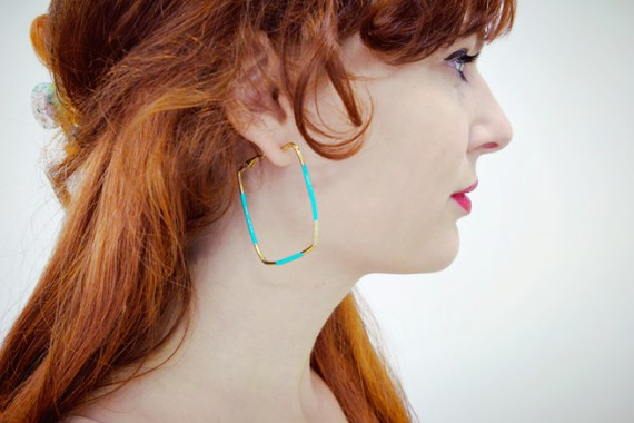 3 MINUTE EARRING DIY | Hoops to Squares