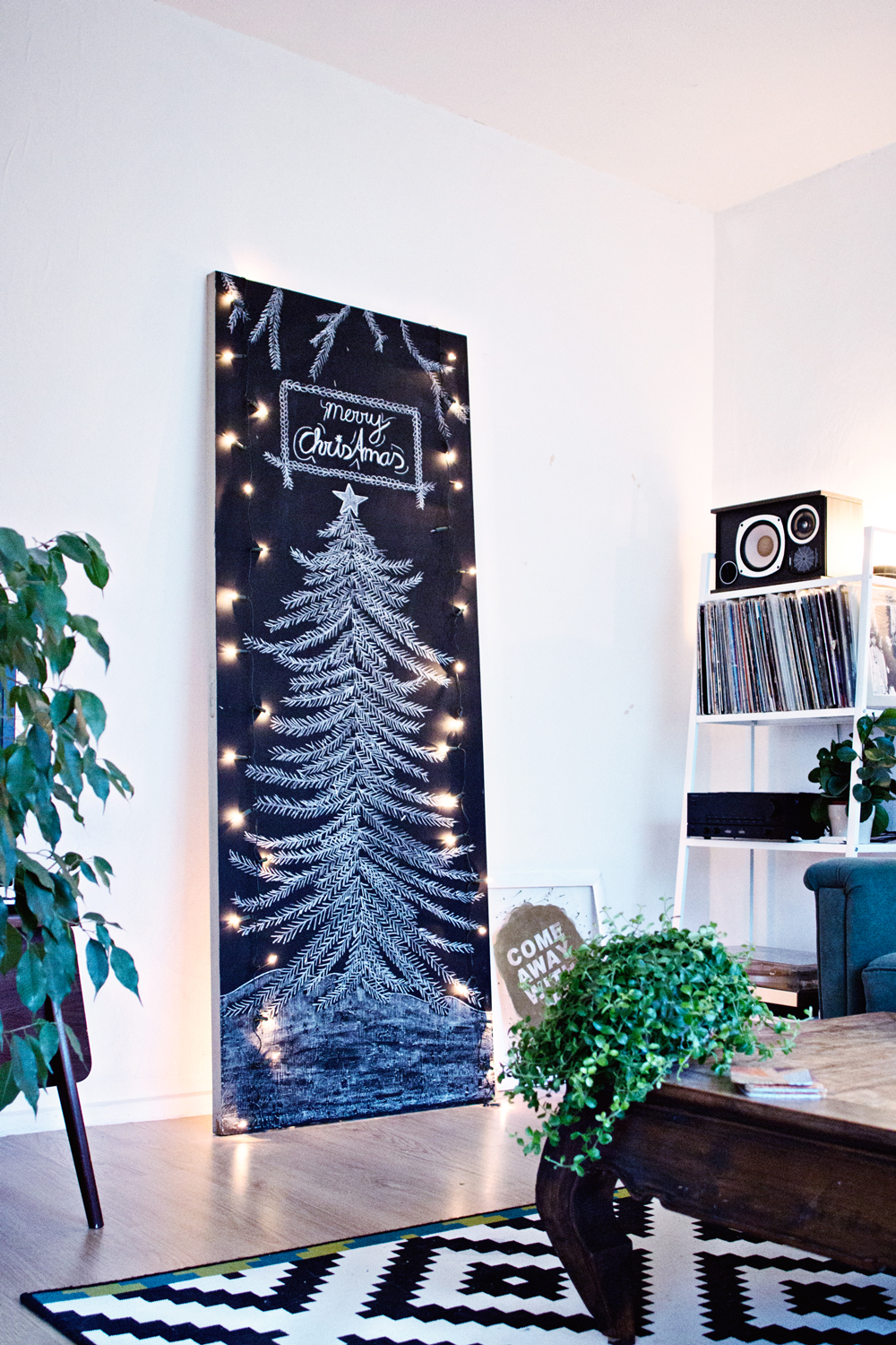DIY | Chalkboard Christmas Tree