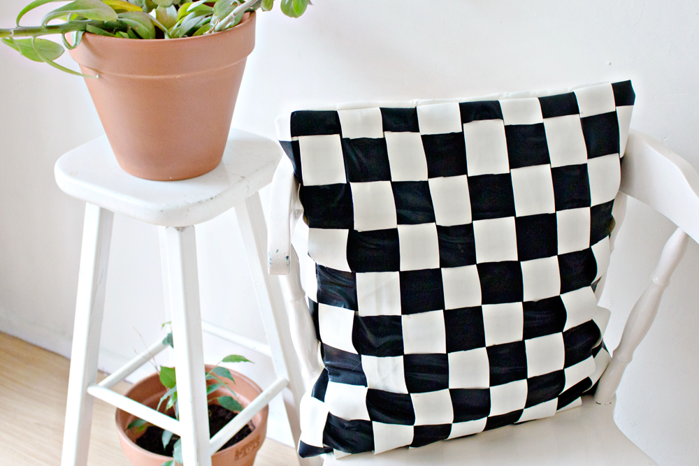 DIY Cushion Cover Weaving