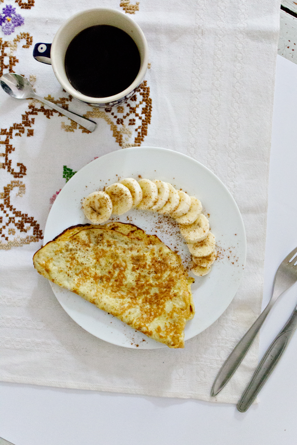 RECIPE | 2 Ingredient Banana Pancakes