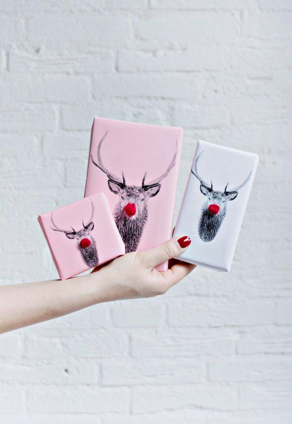 PRINTABLE DIY | Oh Deer Christmas Wrapping Paper