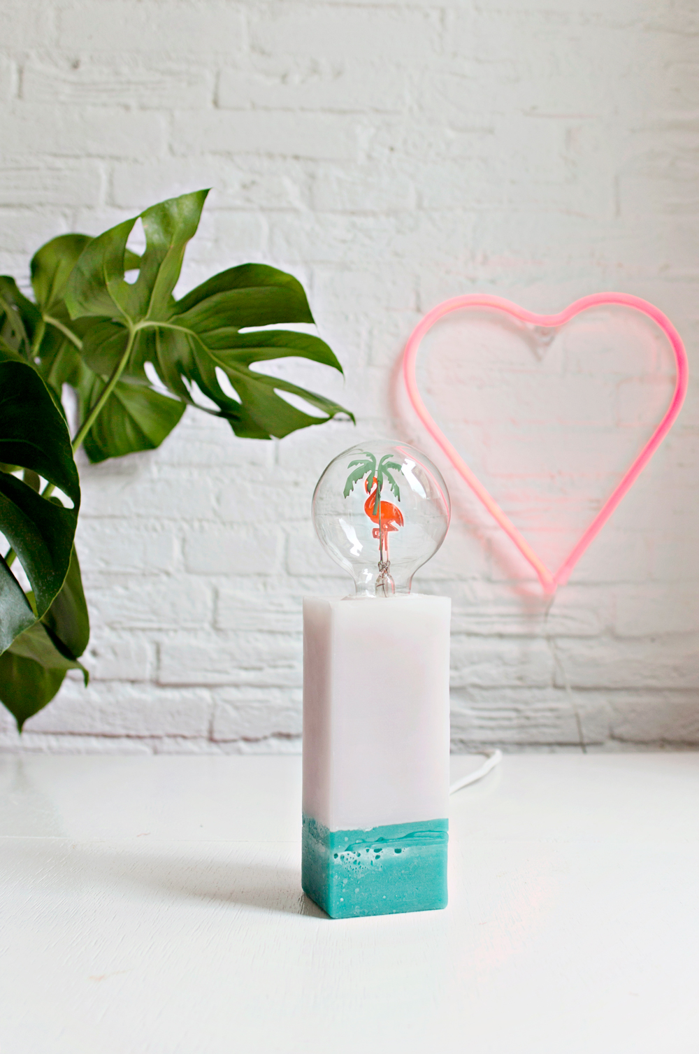 DIY | Candle Wax Table Lamp